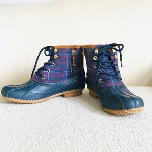 Tommy Hilfiger Roan Lace-up Duck Boots.